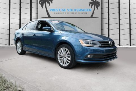 Certified Pre-Owned 2015 Volkswagen Jetta Sedan 1.8T SE w/Connectivity/Navigation